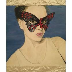 Mujer mascara mariposa